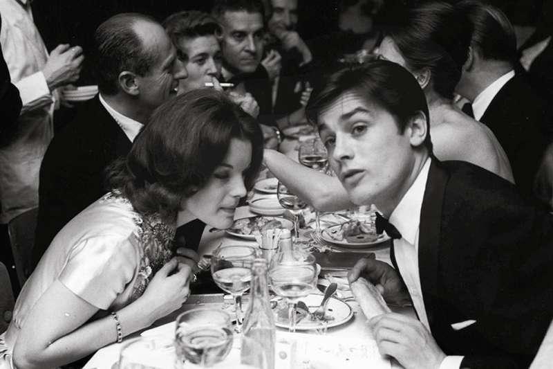 1961年的羅美雪妮黛(Romy Schneider)和亞蘭德倫(Alain Delon)。這對奧地利女星和法國影星伉儷1963年離婚(BBC)