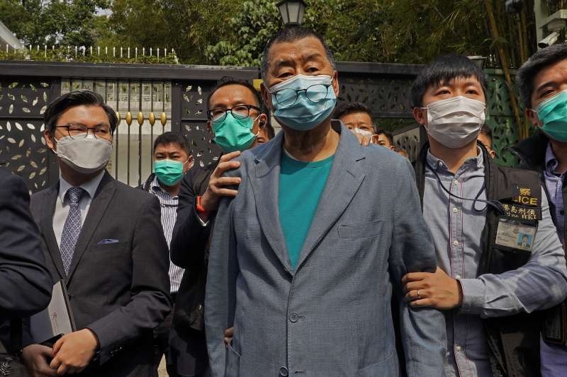 壹傳媒創辦人黎智英及其次子黎耀恩今(10)日上午被警方拘捕,罪名是涉嫌違反港區國安法中的「勾結外國勢力」。(資料照,AP)