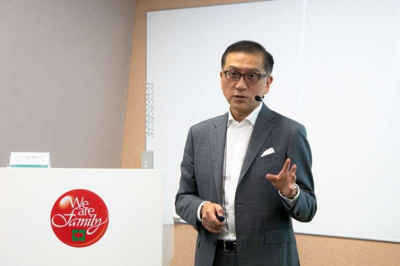 中國信託金控總經理吳一揆榮獲《亞洲公司治理》雜誌主辦的第十屆亞洲卓越獎中的「亞洲最佳執行長」殊榮。(圖/中國信託提供)
