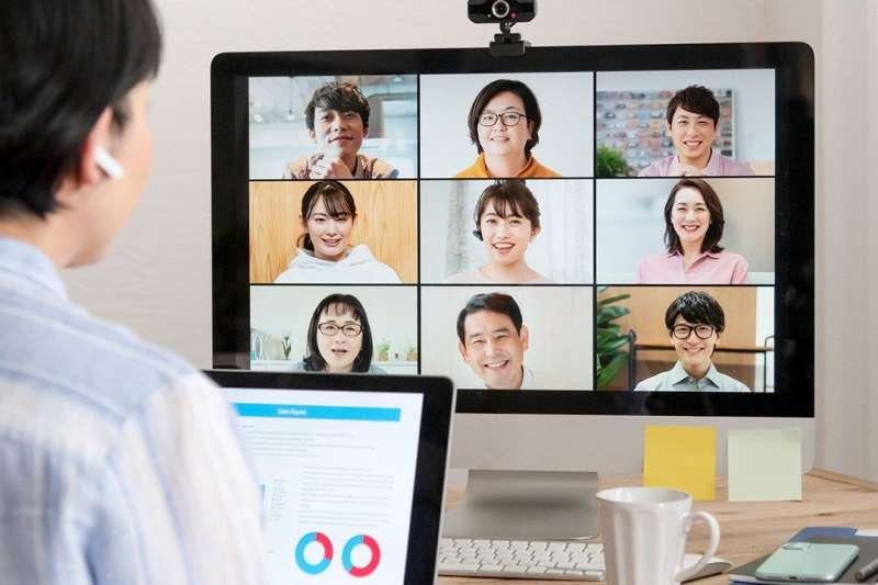 受疫情影響,許多人改在家上班,不過卻有一半的受試者表示電費因此增加了許多。(圖/取自nippon.com)