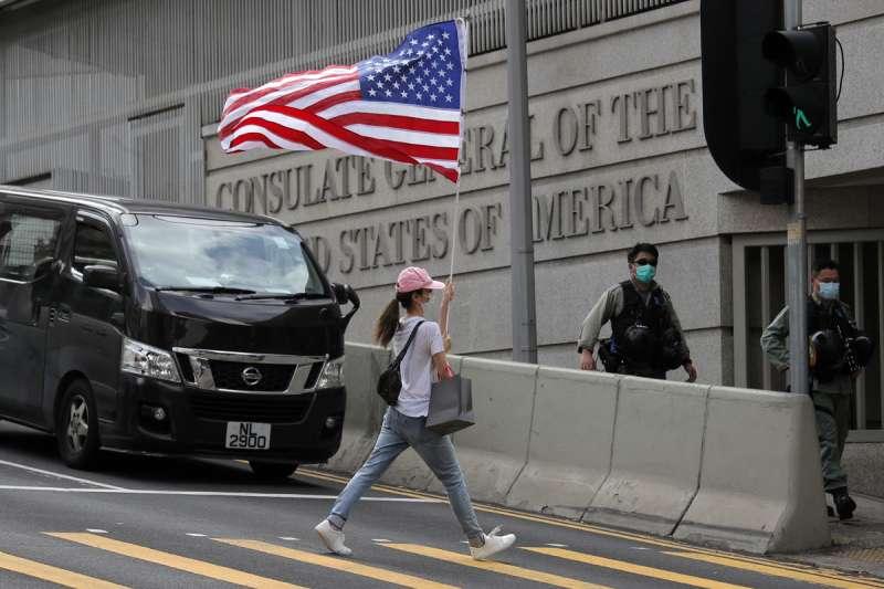 傳言美國駐香港領事館是中情局情報工作的大本營。(美聯社)