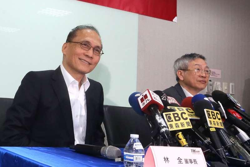 台灣東洋與東洋董事長林全(圖左)為捍衛名譽提告中天電視公司,最近雙方達成和解,中天電視對於先前的不實報導將道歉、賠償。(柯承惠攝)