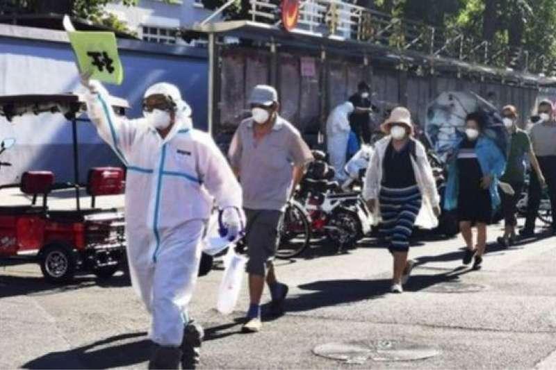 北京對居民進行核酸檢測。(BBC中文網/CNS)