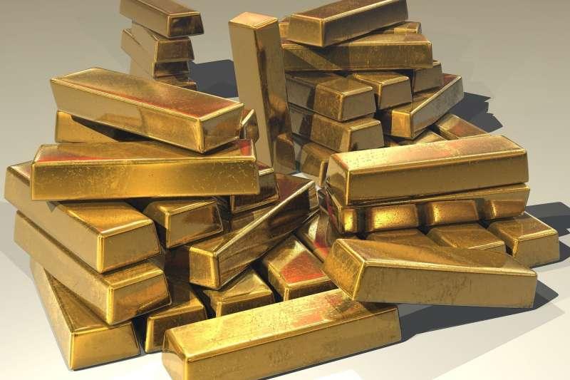 持有黃金不會產生孳息,投資報酬僅能單靠資本利得,加上價格波動劇烈,必須審慎評估投資風險。(pixabay)