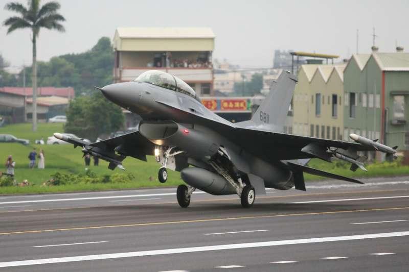 構改後的F-16V首度加入,是漢光三十六號演習的亮點之一。(柯承惠攝)