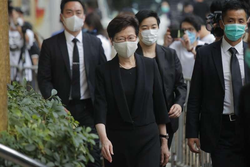 2020年7月,香港新冠肺炎疫情惡化,市民普遍戴上口罩,圖為特首林鄭月娥(AP)