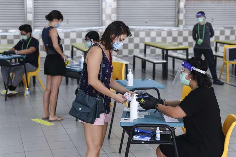 2020年7月10日,新加坡國會大選投票(AP)