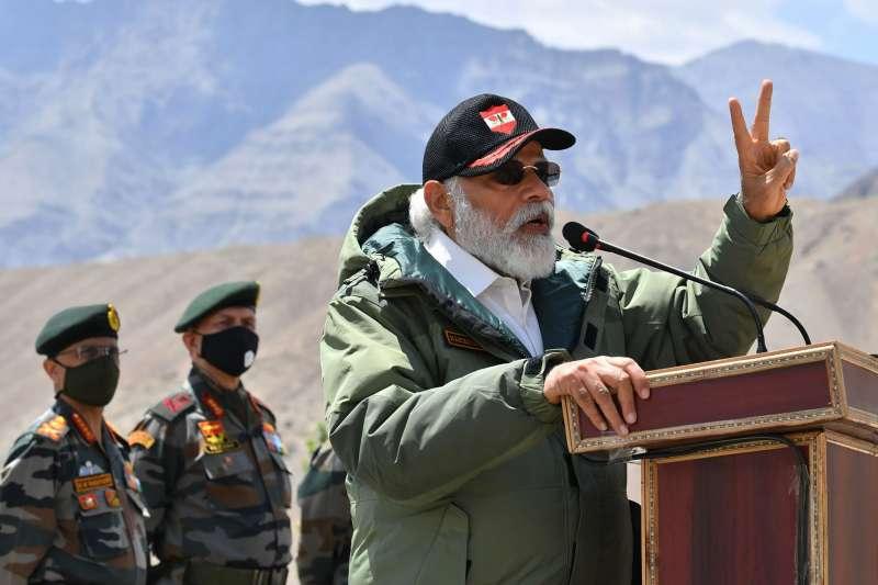 2020年7月3日,印度總理莫迪造訪與中國對峙的喀什米爾拉達克地區(AP)