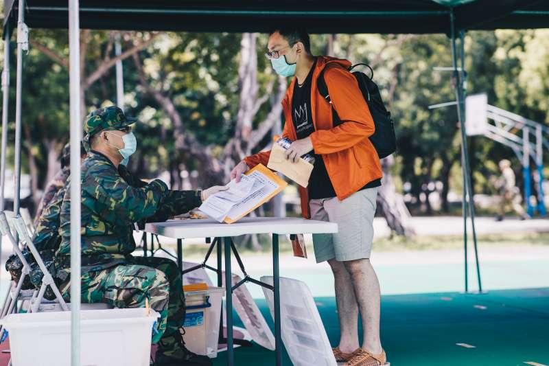 20200713-漢光演習動員編成的後備軍人報到。(軍聞社提供)