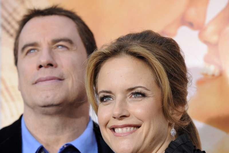 好萊塢巨星約翰屈伏塔(John Travolta)與妻子凱莉普烈斯東(Kelly Preston)(AP)