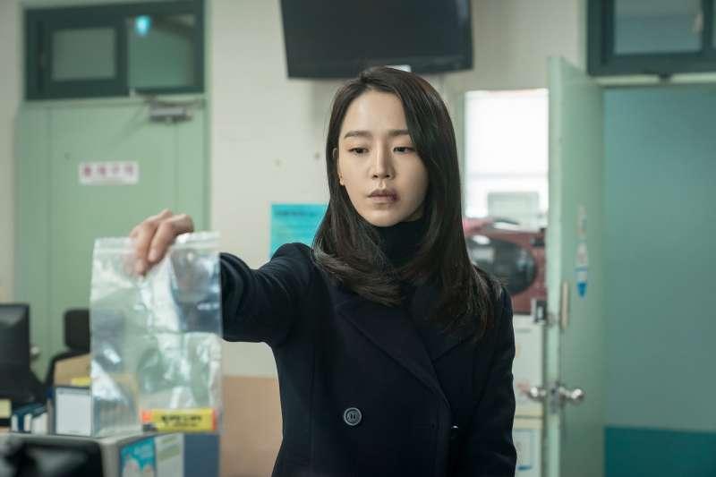 韓國犯罪懸疑片《翻供》(Innocence)揭露震驚韓國的「氰化鉀馬格利」殺人事件(圖/索尼影業提供)