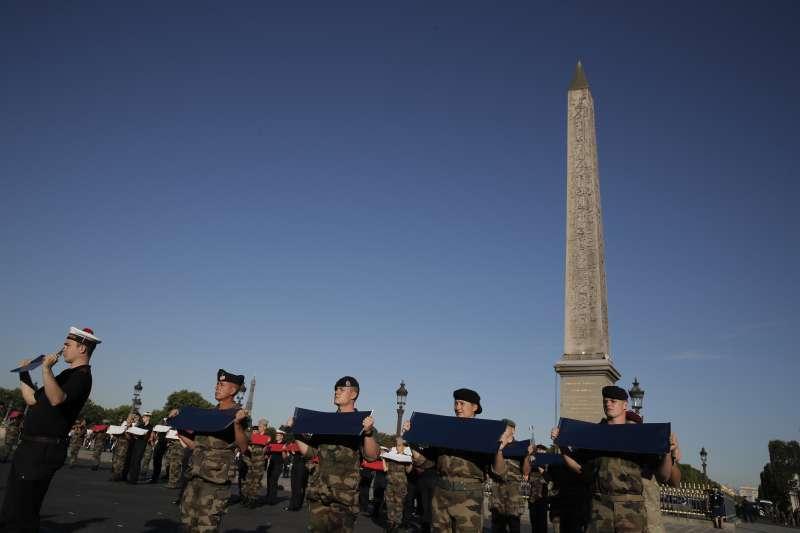 2020年7月,法國各界為國慶日「巴士底日」做準備(AP)