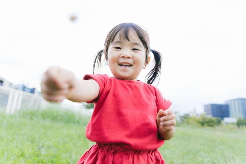 勞保的生育補助只有女性被保險人可申請;育嬰津貼則是父母雙方皆可申請。(圖/カメラマン@pakutaso)