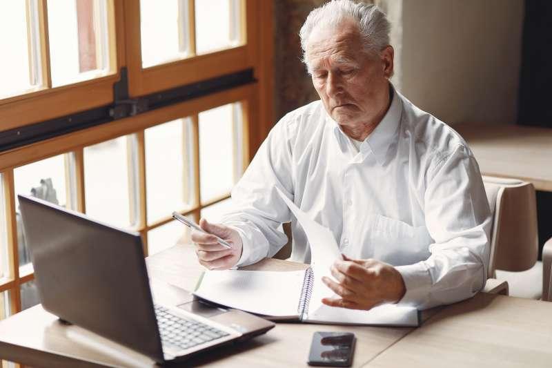 退休後的理財規劃應趨於保守。(圖/Gustavo Fring@pexels)