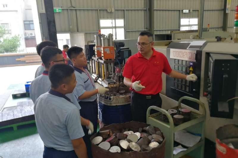 7種產業職場體驗由合作企業指派內部優秀人員,介紹該產業所需技能、發展脈絡。(圖/台中市政府提供)