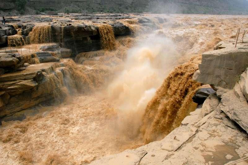 黃河壺口瀑布。(Leruswing@Wikipedia/CC BY-SA 3.0)
