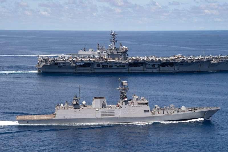 美國的航母戰鬥群進入南海和台海,對中國創造強大的壓迫感。(翻攝自USS Nimitz (CVN 68) )