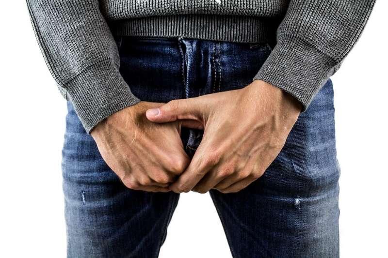 男性若是包皮過長或是有包莖的狀況,就很有可能因為不容易清潔乾淨而產生臭味或孳生細菌。(示意圖非本人/ derneuemann@pixabay)