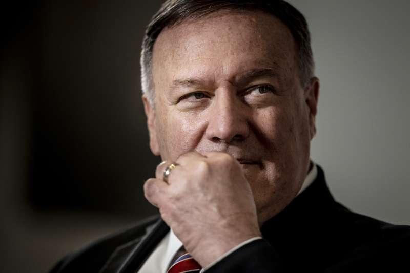 美國國務卿龐畢歐22日在丹麥記者會上,批中國在美的間諜行動影響廣泛。(AP)