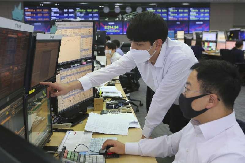 疫情重創韓國經濟。(美聯社)