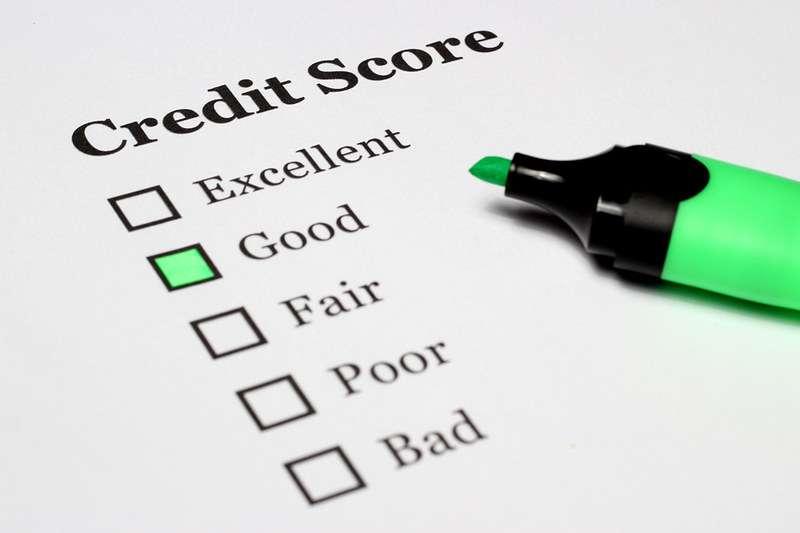 沒有收入證明的人,向銀行申請貸款常會吃閉門羹。(圖:flickr)