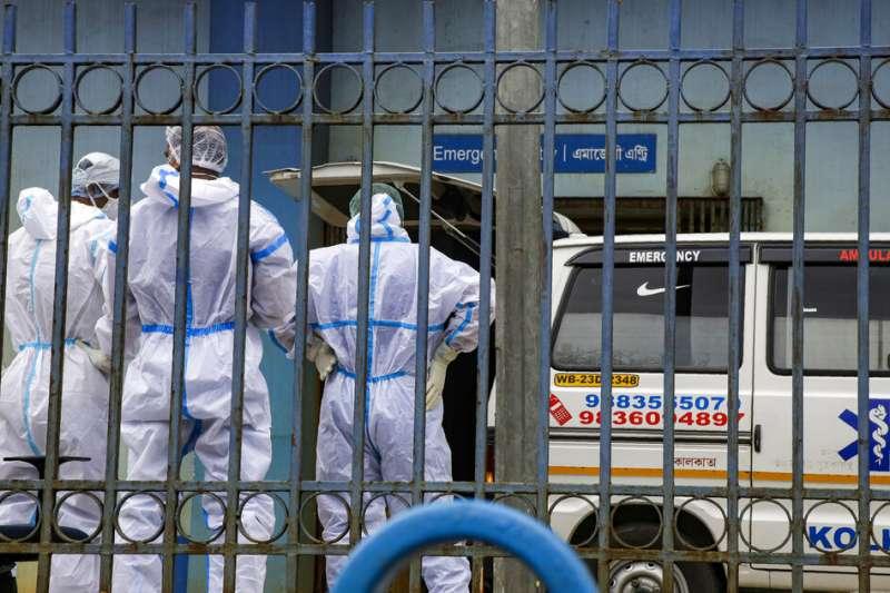 印度新冠肺炎隔離醫療中心,本該保障病患安全的地方,竟淪為性犯罪溫床。(AP)