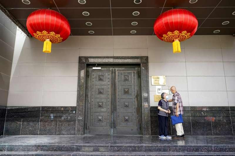 中國駐休士頓總領事館,近來成為中美關係惡化的震央。(美聯社)