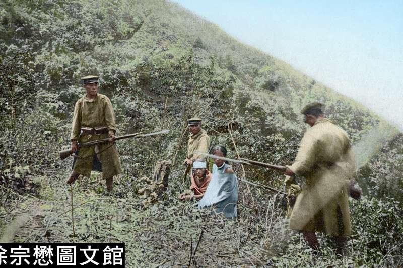 戰時,日軍竟自行將兇殘施虐的過程拍攝下來,做為勝利的紀念(圖/徐宗懋圖文館提供)