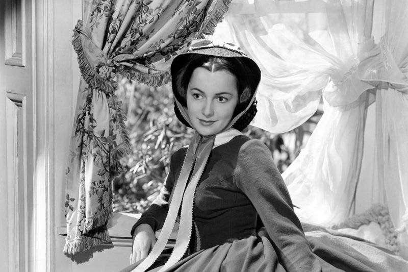 曾參與《亂世佳人》演出的好萊塢傳奇女星奧莉薇亞德哈維蘭(Olivia de Havilland)於7月26日在位於巴黎的家中安詳離世,享嵩壽104歲。(資料照,取自Wikipedia / Public Domain)