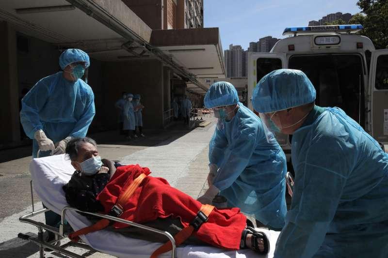 香港疫情三度爆發,不少養老院在新一波疫情中失守。(美聯社)