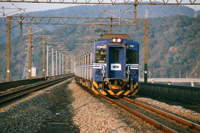 「到台灣去搭火車可觀賞飄著昭和氣息的風景」,造訪台灣300次的日本鐵道達人結解喜幸29日在東京演講台灣鐵道魅力。(示意圖/Louis Liu@flickr)