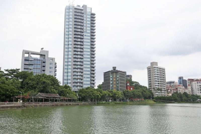 滯洪池經過綠美化之後被當成湖,如大台北地區三大湖之一的碧湖。(柯承惠攝)
