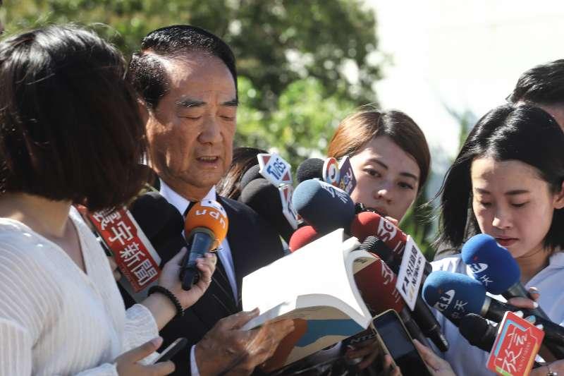 20200731-親民黨主席宋楚瑜赴榮總懷恩堂向已故前總統李登輝弔唁致意。(陳品佑攝)