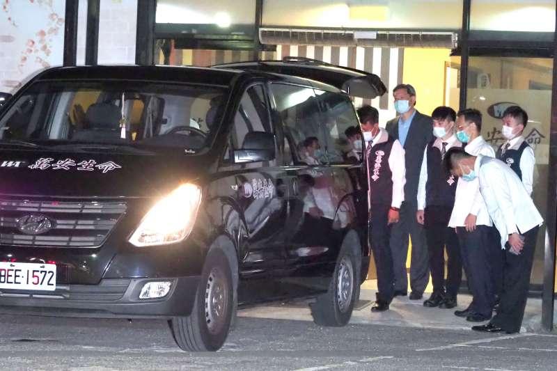 「民主先生」、前總統李登輝於7月30日19時24分仙逝,大體於23時移往懷遠堂。(林瑞慶攝)