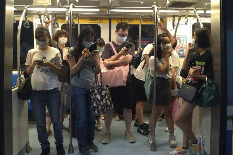 2020年,新冠肺炎,台灣,大眾運輸工具,捷運,口罩(AP)