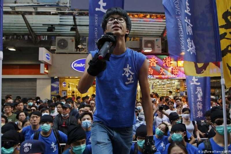 流亡德國的香港本土派政治領袖黃台仰。(DW)