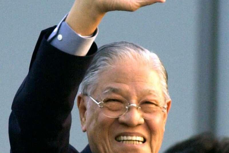 有「民主先生」之譽的已故前總統李登輝,2001年訪日行波折不斷,他除開記者會痛責日本主政者的「膽子比老鼠還要小」,背後還有日本民間人士奔走促成的祕辛。(美聯社)