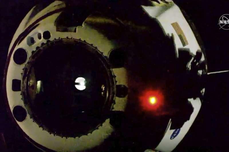 8月1日,天龍乘員號離開國際太空站(美聯社)