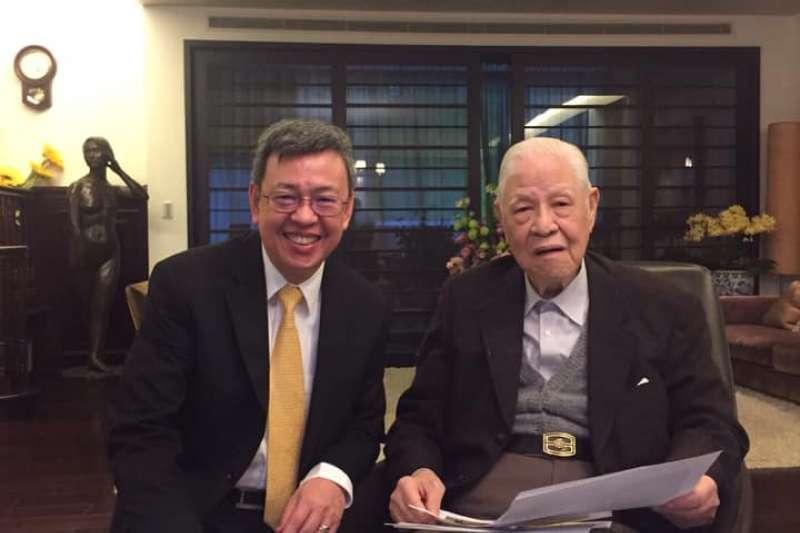 前總統李登輝(右)日前逝世,前副總統陳建仁(左)在臉書發表長文哀悼。(取自陳建仁臉書)