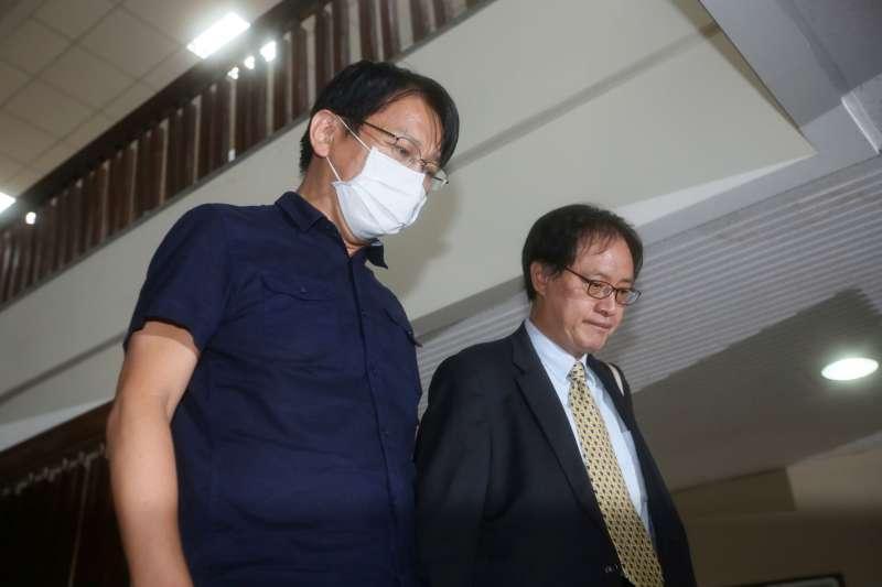 時代力量前黨主席徐永明(左)捲入收賄案,傳出在考量大局之下,將主動退黨。(資料照,林瑞慶攝)