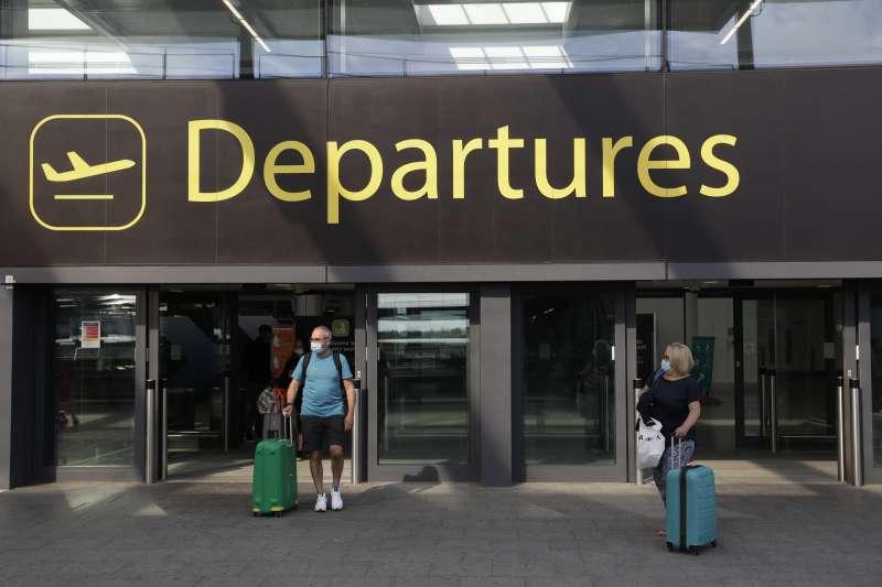 過去四年來,移民至歐洲國家的英國人數量不斷攀升。(AP)