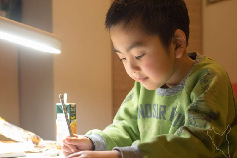 乖孩子經常犧牲自己,滿足父母的需求。(圖/Norihiro Kataoka@flickr)