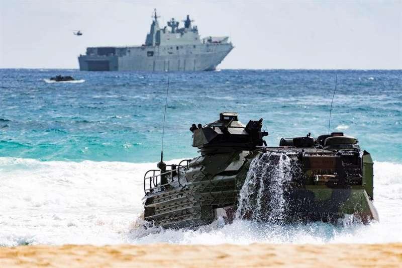 美軍的兩棲突擊載具(AAV)。(美國海軍官網)