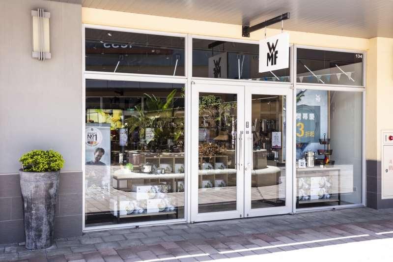 WMF Outlet店近40坪的空間內,完整引飲全系列品項,款式豐富齊全。(圖/WMF提供)