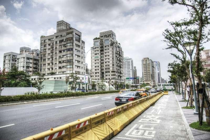 雖然房價高低不能當作鄰居素質好壞的指標,但高單價住宅產品,多少可以過濾掉低劣素質的買家。(圖Pixabay提供)