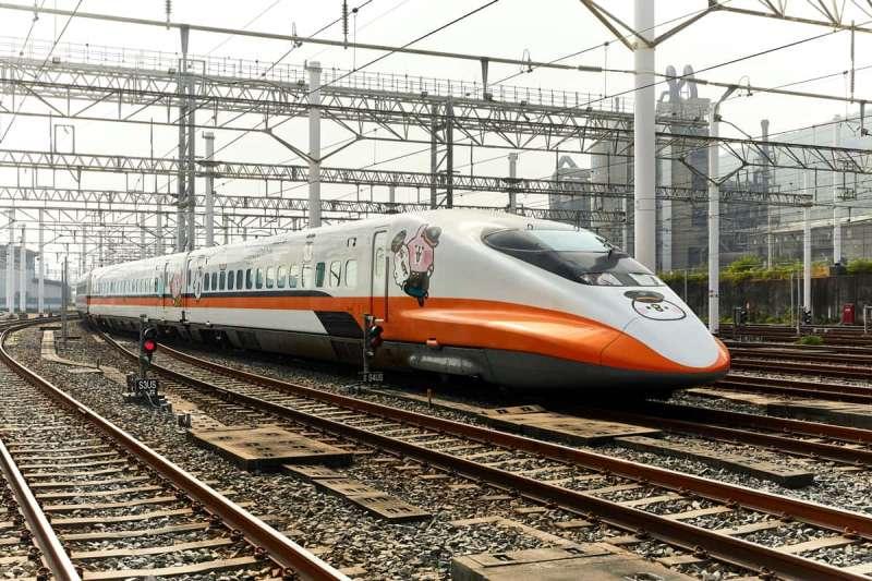 高鐵不僅推出卡娜赫拉聯名商品,還有彩繪列車,另外相關商品也可以前往高鐵官網購買。(圖:台灣高鐵官網)