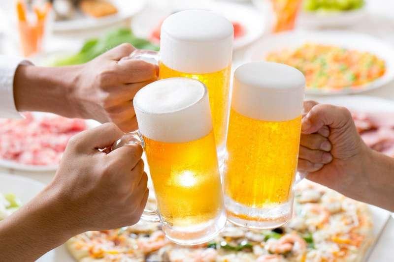 在眾多酒類飲品中,日本人最喜愛「啤酒類」的飲料。(圖/取自PIXTA)