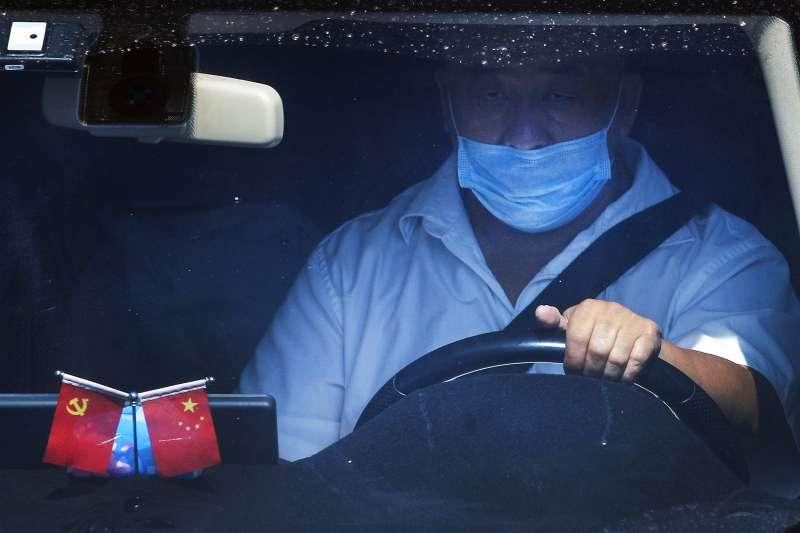 香港立法會:中國讓被取消參選資格的4名現任公民黨立法會議員留任,可以維持「一國兩制」表象(AP)