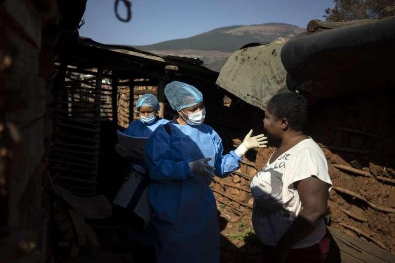 受新冠疫情影響,南非的HIV患者苦於藥物短缺。(AP)