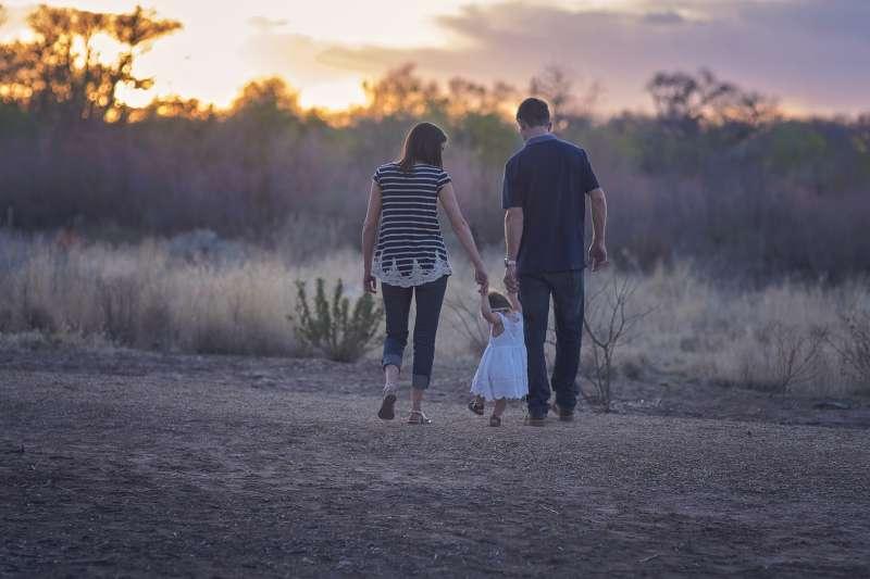 作家三毛提及,想當小偷的想法是從模範家庭裡落選後萌生。(取自pixabay)